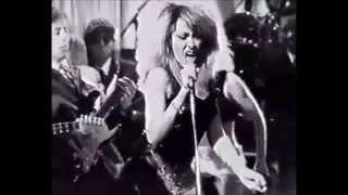 Tina Turner 'Overnight Sensation' (Live)