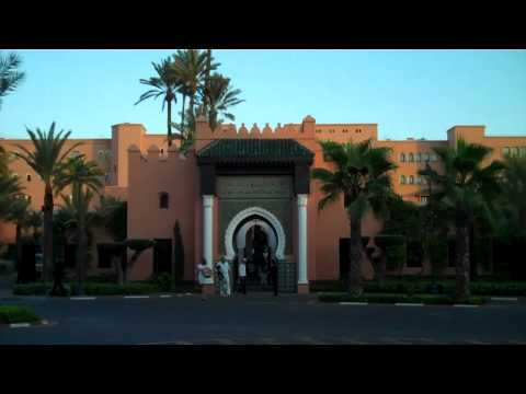 MOROCCO: Exit Walk from Marrakech Centre west toward Airport