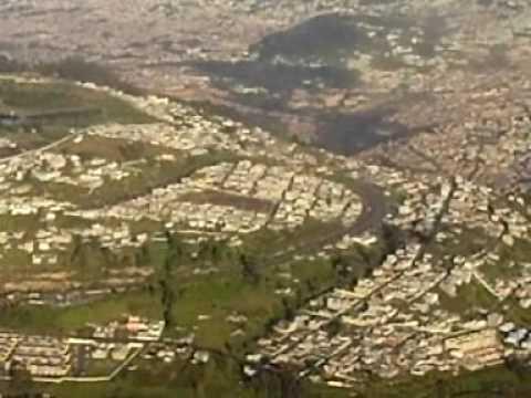 ATERRIZAJE EN QUITO