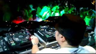 Louie Vega Playing Ayo Life is Real Afrozila Remix at Chill Out in Angola
