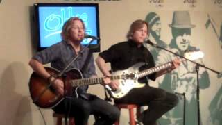 "Matthew & Gunnar Nelson perform ""(Can't Live Without Your) Love and Affection"""