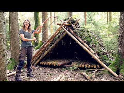 Building a semi-permanent Shelter from natural materials only