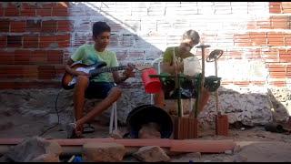Bateria de Lata : Os Garotos Forrozeiros tocam Asa Branca