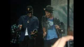 Bruno Mars hot