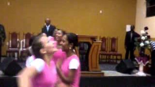 Grupo de coreografia rompendo em fé dança de natal