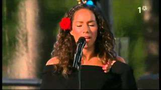 Leona lewis - Bleeding Love live (Sweden princess Victoria's birthday 2008)