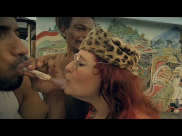 Videoclip oficial de 'I Could Be The One', de Nicky Romero y Avicii.