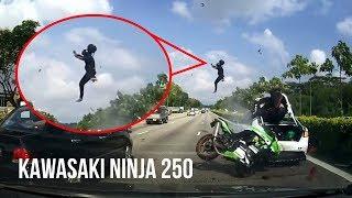 DETIK-DETIK Kecelakaan Maut KAWASAKI NINJA 250 VS Sedan di Jalan TOL Singapura width=