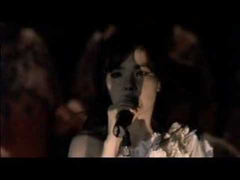 bjork-all-is-full-of-love-live-royal-opera-house-brianlilith