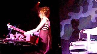 Imogen Heap - Headlock LIVE
