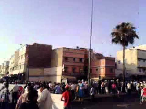 الشباب يتظاهرون في الحي المحمدي يوم 26 يونيو