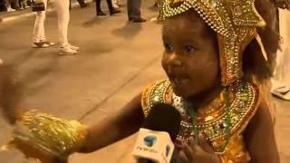 No Rio, o desfile das escolas de samba mirins encanta a plateia