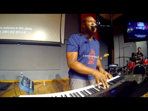 ywam-kona-worship-moment-jaye-thomas-bless-the-lord-ywam-kona-music