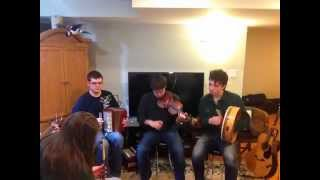 Irish Reels - Pipes, Accordion & Fiddle