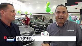 El alcalde de Bonita Springs Peter Simmons entregó un reconocimiento a Galeana Kia