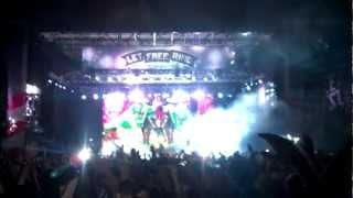 Skrillex - *Live @ VirginFest 2012* Holdin' On
