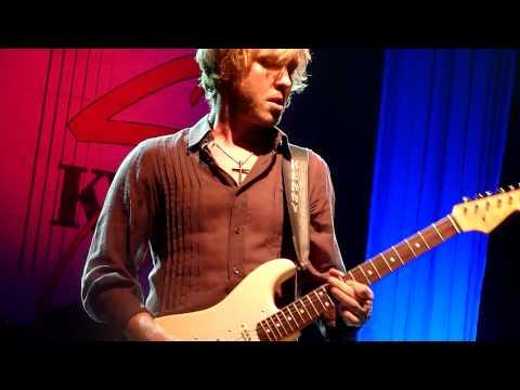 kenny-wayne-shepherd-band-while-we-cry-koko-london-7-nov-2011-strasale