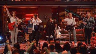 Muhteşem bir ekip ve Senden Daha Güzel şarkısı! (Beyaz Show Canlı Performans)
