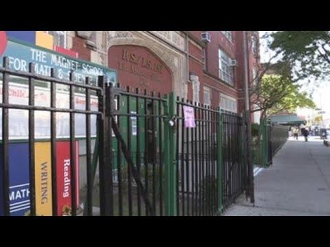 Barrios de Nueva York cierran colegios y negocios por brotes de COVID-19