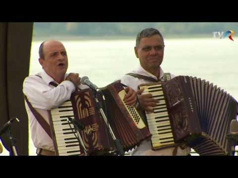 Formaţia Dan Micu - Familia noastră-i muzicală