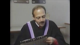 """The world's fastest talking man """"sings"""" Michael Jackson's BAD in 20 seconds (1987)"""