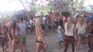 Dança Índios no Chillout @ Universo Paralello #12