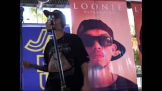 Loonie Singing Pilosopo