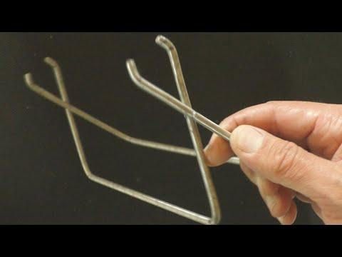 Инструмент из двух сварочных электродов photo