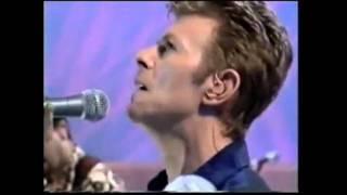 David Bowie & Gail Ann Dorsey - Under Pressure (Subtítulos español)