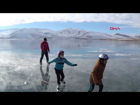 Doğal buz pistinde antrenman yaptılar