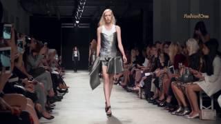 GUY LAROCHE Ready-to-Wear Paris Fashion Week Spring/Summer 2017