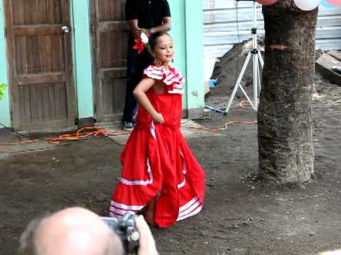 Nicaragua dancing
