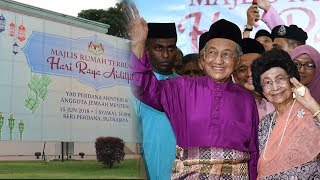 Dr M overwhelmed by turnout to open house