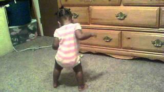 Baby Nea dancing to Waka Flocka snakes hilarious!!!!!!!!!!!!
