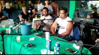 Roda de samba com Batuque do samba de Rio das Ostras.  Homenagem a Jorge Aragão.