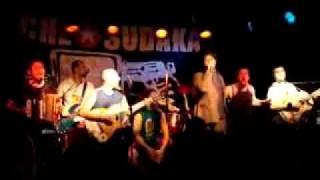 """CHE SUDAKA feat PAPA DEE - """"Hottie Hottie Girls"""" - live in Göteborg"""
