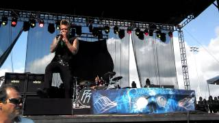 Papa Roach-Burn live at Fort Rock