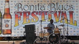 170311 Cedric Burnside at Bonita Blues Festival
