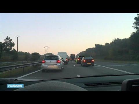 Franse wegblokkades vanwege woede over brandstofprijzen - RTL NIEUWS