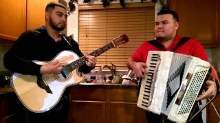 Popurri De Corridos Con Los Hermanos Marias 2014