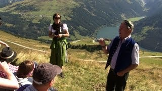 En Autriche, yodler à pleins poumons en marchant dans les Alpes