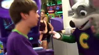 Roadshows at CEC: Chuck E's Happy Dance 2016 in Jacksonville NC (it's only a minute long)