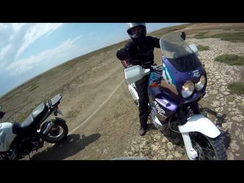 Honda Africa Twin & BMW R1100GS 7