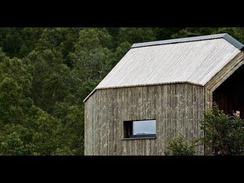 Emergency cabin at Norway's most famous tourist attraction