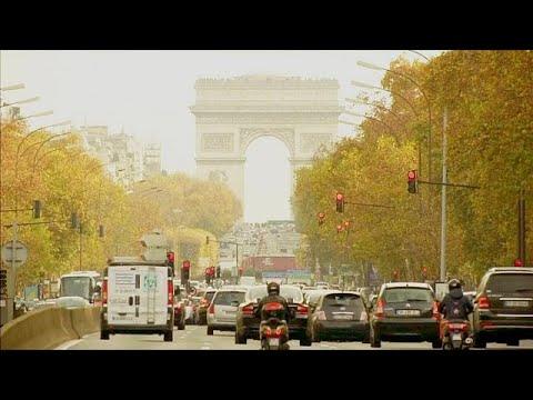 Parigi dice addio alle auto a benzina entro il 2030