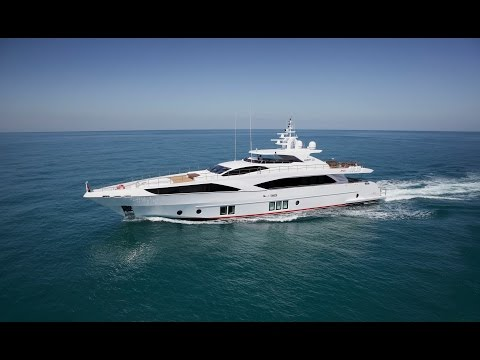 Majesty 122 Superyacht