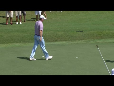 Brandt Snedeker pours in a 25-footer at the TOUR Championship