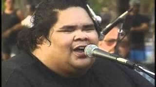 """Maui Medley   """"LIVE""""    Israel Kamakawiwo'ole"""