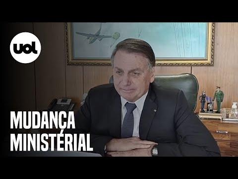 Bolsonaro diz em live que vai fazer reforma ministerial