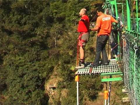 2008.11.13 Nepal The Last Resort. Bungee Jump Kostya